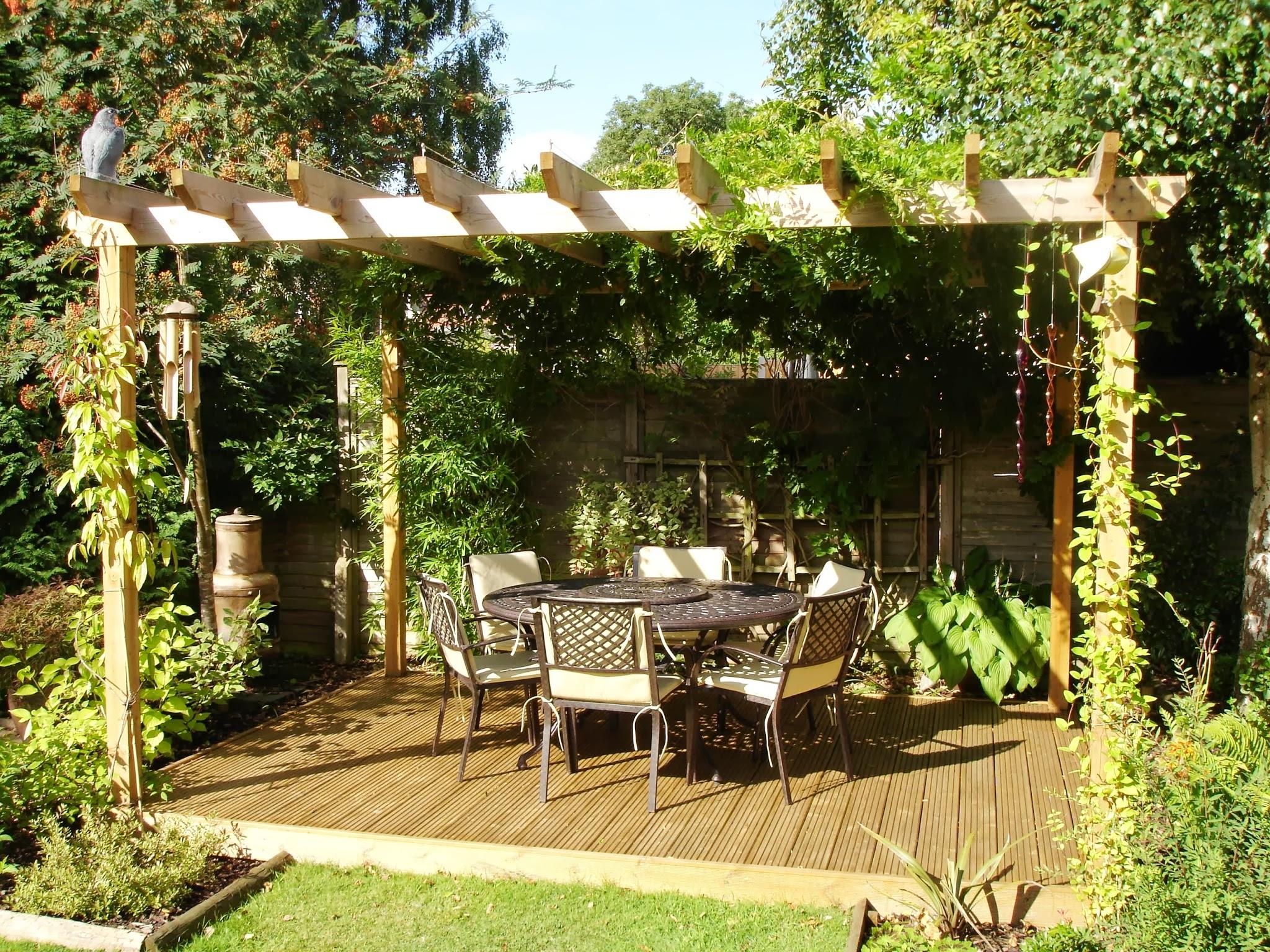 le printemps la saison id ale pour r am nager son jardin. Black Bedroom Furniture Sets. Home Design Ideas